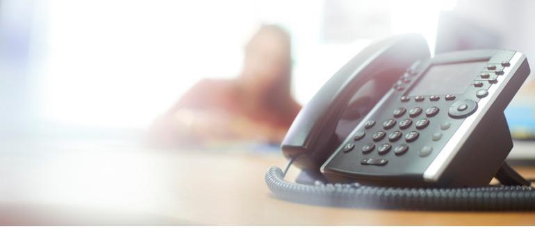 VoIP-vs-Landline-Phones