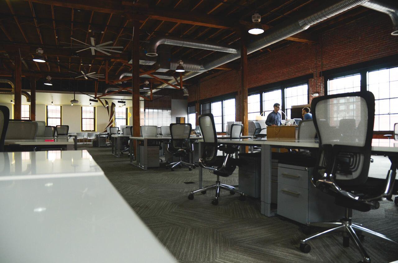 10-Things-Consider-Before-Choosing-Co-Working-Space